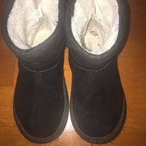 Old Navy Black Toddler Winter Boots Size 7
